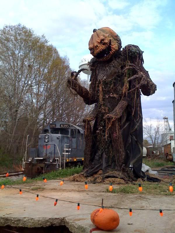 giant pumpkin head prop from halloween 2 - Halloween Prop