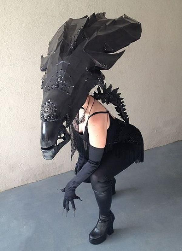 Amazing Alien Queen Cosplay Complete With DIY Instructions ...
