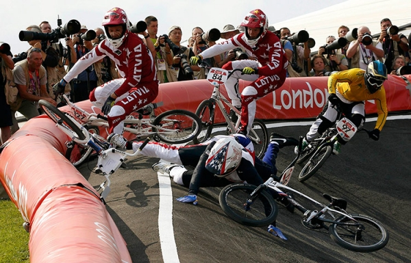 olympics bike crash