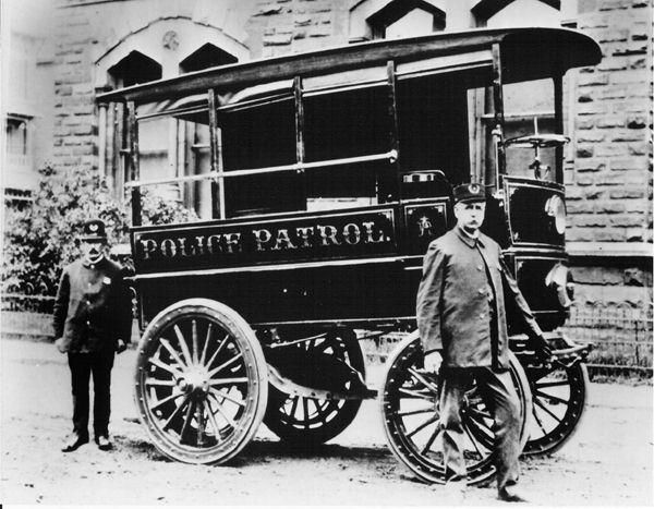 An arresting history of the police car neatorama for Bureau of motor vehicles delaware ohio