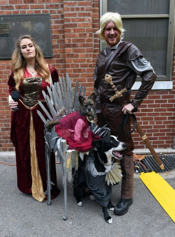 35 Awesome Homemade Matching Pet and Owner Couples Costumes ...