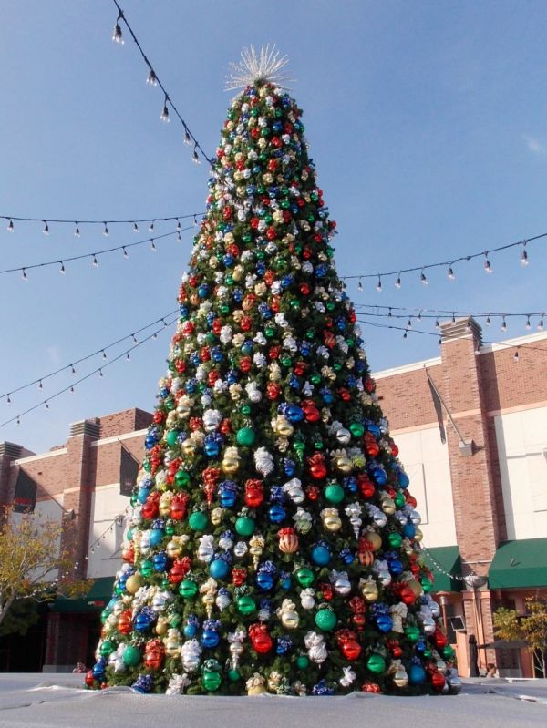 Christmas Time At Disneyland & California Adventure - Neatorama