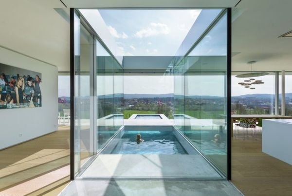 Floating Pool Cuts Through House Neatorama