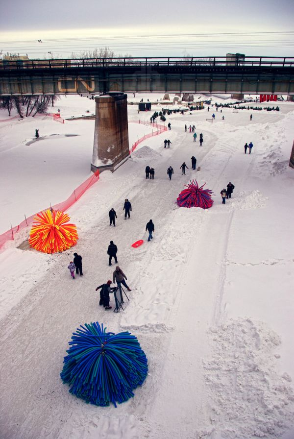 Giant Koosh Balls Are Warming Spots For Winter Fun Neatorama