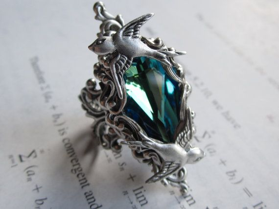 Rana Levy Is Not Only A Student Majoring In Physicathematics She S Also The Owner Of Daedra Jewelry Under That Name Creates These Lovely