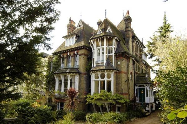 Victorian house with spaceship neatorama for Victorian tiny house for sale