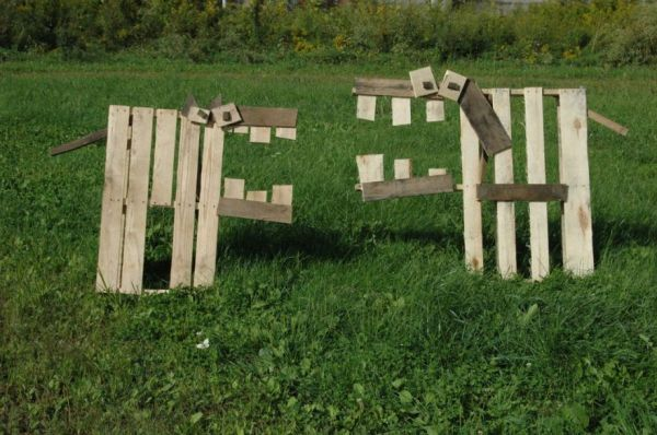 Fifty things you can make with wood pallets neatorama for Making things with wooden pallets