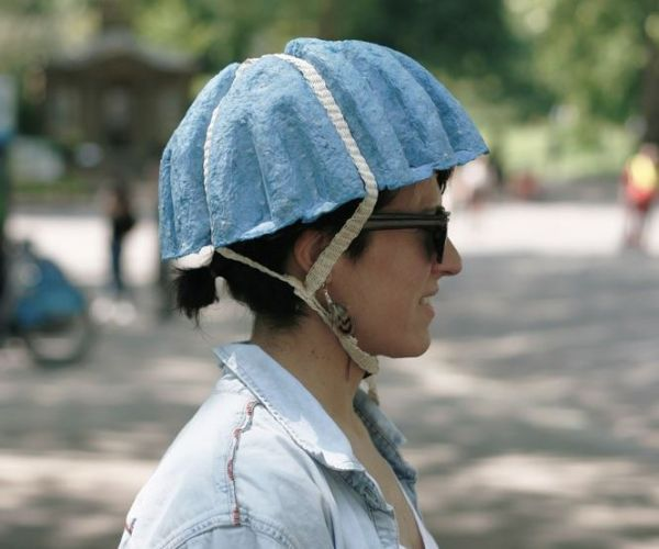 motorcycle and helmets essay Several of them asked me: where is your bike helmet i get this question a lot i  have made a careful and conscientious choice to not wear a.