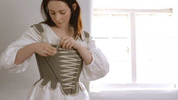 What It Took For The Working Woman To Get Dressed In The 18th Century