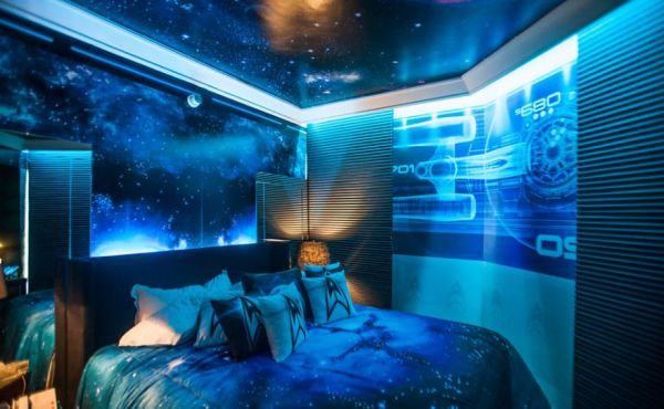. Star Trek Themed Hotel Room   Neatorama