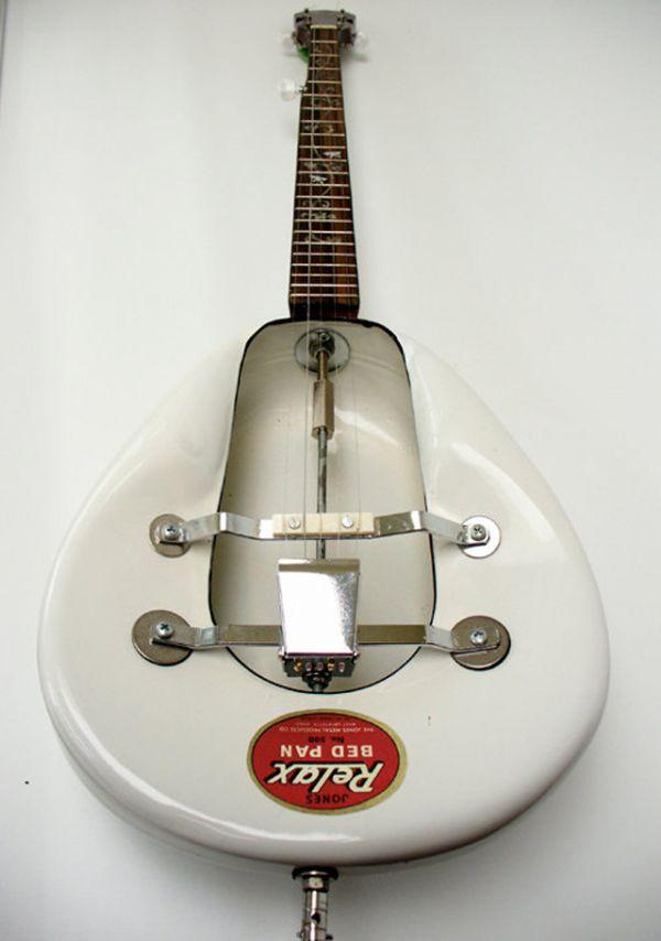 bedpan banjo