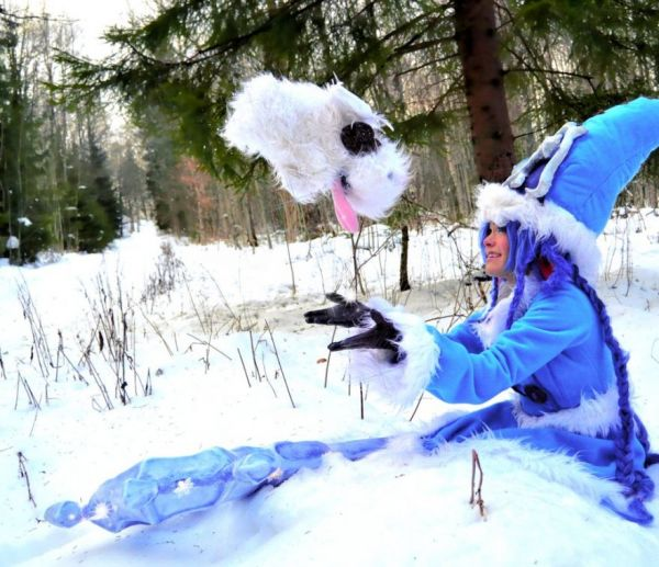A Really Cool Collection Of Wintry Cosplay Photos