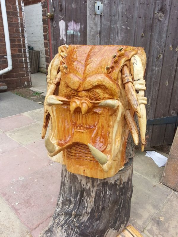 The Predator In Wood And Pumpkin Neatorama