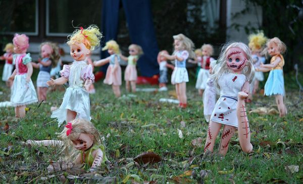 A Scary Way To Decorate Your Lawn Neatorama