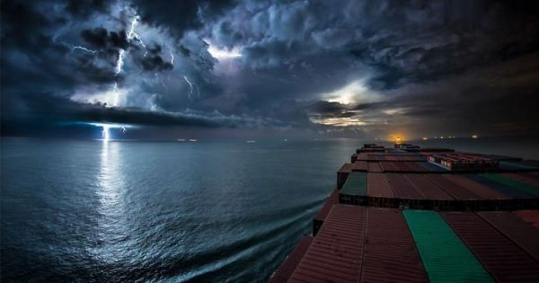 Time-Lapse Video Shows What 30 Days Aboard A Cargo Ship Look Like