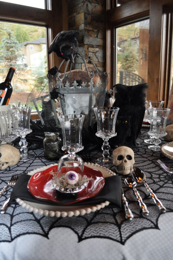 Over wonderful decorating ideas for a halloween dinner