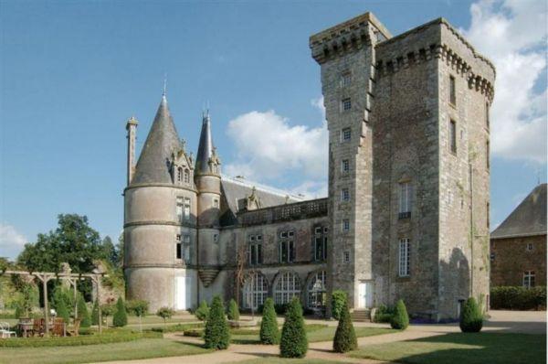 20 Castles You Can Rent to Live Out Your Beauty and the Beast Fantasies