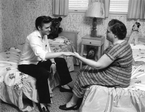 biography of elvis presleys mother
