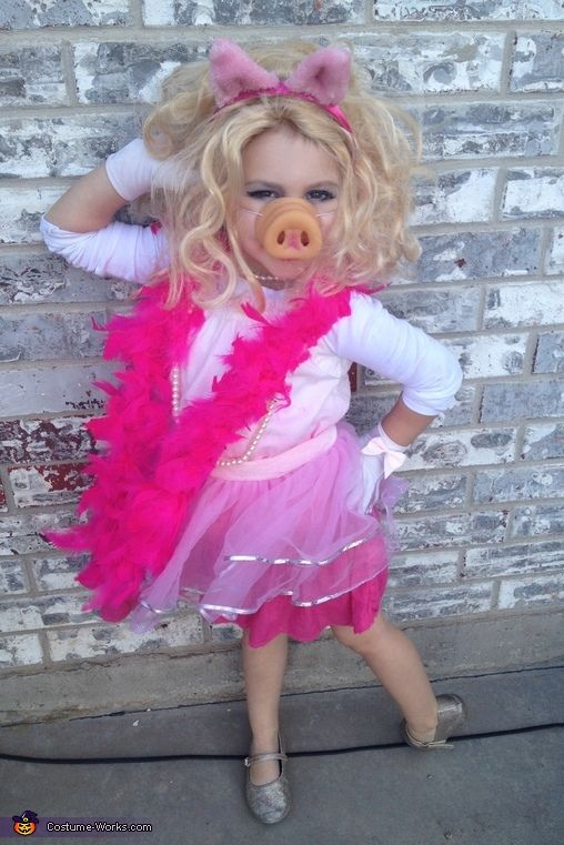 16 super easy kids halloween costumes you can diy neatorama a plastic pig nose a headband with some basic pig ears and a fabulous fashion sense are all you need to create a delightful miss piggy costume that would solutioingenieria Image collections