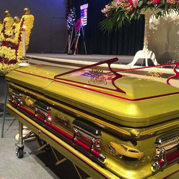 car customizer george barris laid to rest in a batmobile. Black Bedroom Furniture Sets. Home Design Ideas