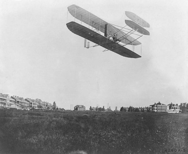 Only wright brothers the fist plane it! 5*!