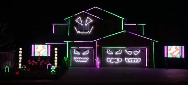 7th annual riverside halloween house light show neatorama - Halloween Lights Thriller