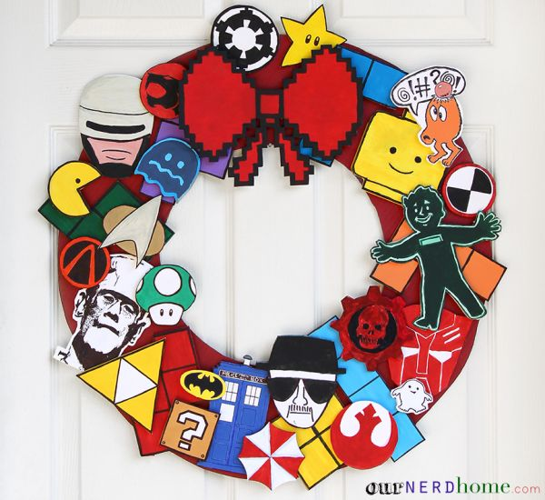 The Ultimate in Geeky Christmas Wreaths - Neatorama