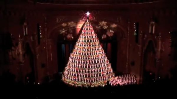 The Mona Shores Singing Christmas Tree - Neatorama