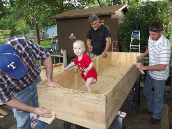 Family Pulls Together to Build Dad's Casket - Neatorama