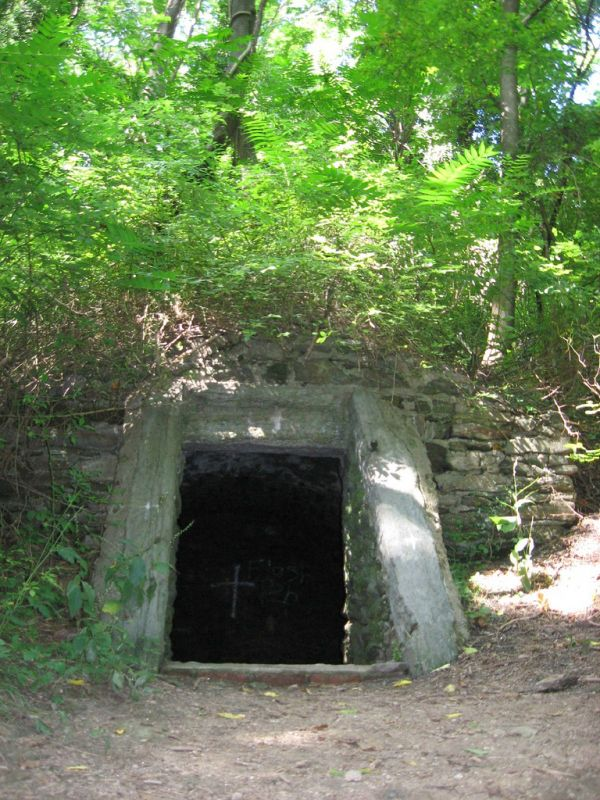 The Mystical Early Pennsylvania Settler Who Lived in a Cave