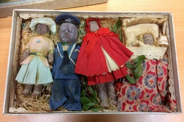 What An Untouched 100-Year-Old Box Of Holiday Novelty Chocolates Looks Like Now