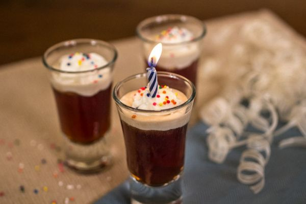 Birthday Cake Shots Neatorama