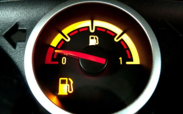 How Much Is A Gallon Of Gas >> How Far Can You Drive Your Vehicle On Empty? - Neatorama