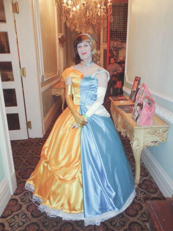 Disney S Two Face A Split Cinderella Belle Cosplay