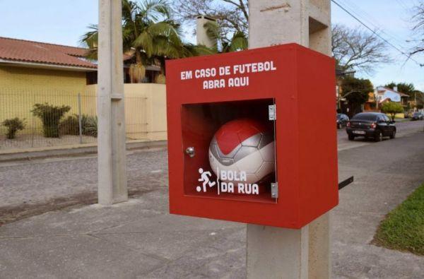 Soccer Balls on Demand for Kids in Brazil