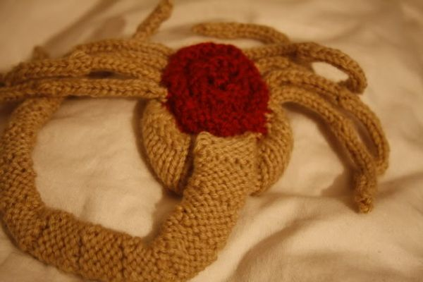 Crochet Xenomorph : Alien Facehugger Attack Girl for Pinterest