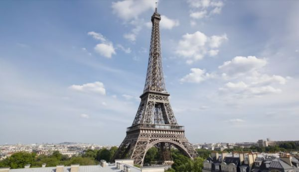 Why Photos Of The Eiffel Tower At Night Are Illegal