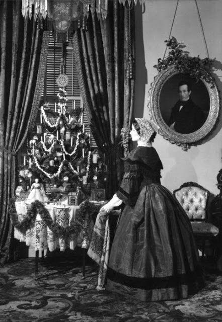 rare vintage photos of christmas in the victorian era neatorama. Black Bedroom Furniture Sets. Home Design Ideas