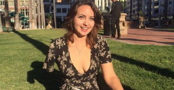 The Internet Has Fallen In Love With This One-Armed Woman And Her Tinder Profile