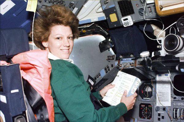 astronaut eileen collins - photo #16