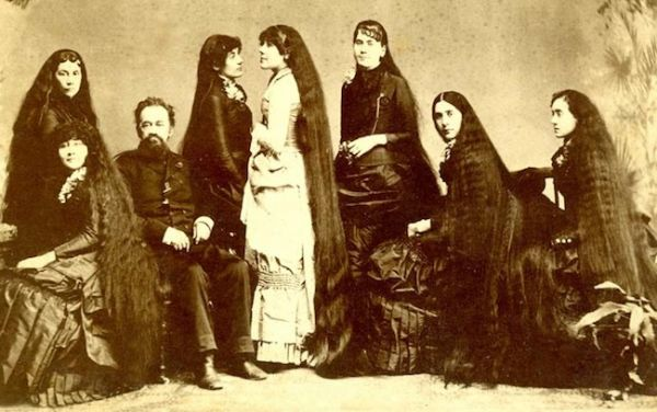 The Seven Sutherland Sisters And Their 37 Feet Of Hair