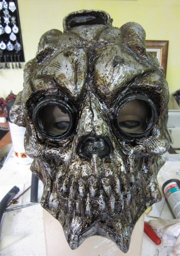 World Death Clock >> Custom Made Xenomorphic Skull Helmet - Neatorama