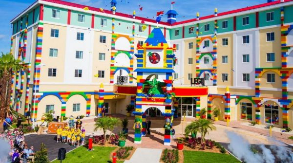 Staying at the New LEGO Hotel Is Like Walking into a Toy Box - Neatorama