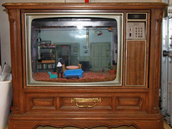 Seinfeld TV Aquarium - Neatorama