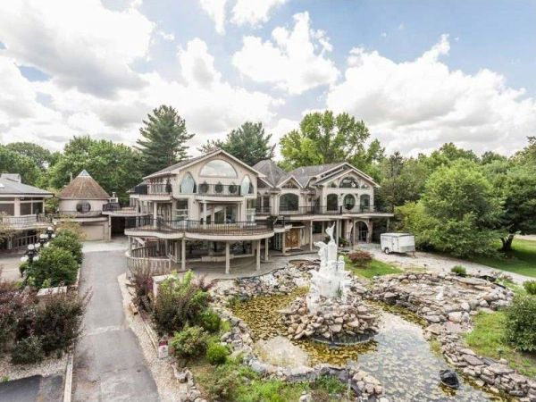 An Architecturally Baffling Indiana Mansion