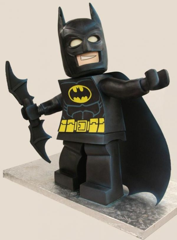 lego batman cake neatorama. Black Bedroom Furniture Sets. Home Design Ideas