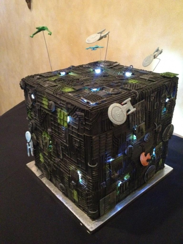 Borg Wedding Cake
