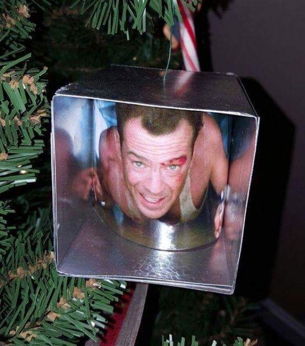 Die Hard This Christmas - Neatorama