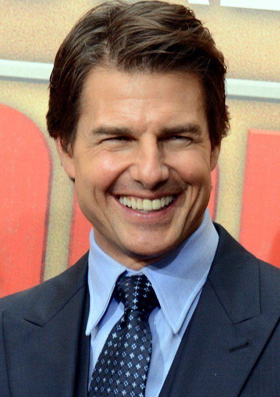 ... His Patrick Bateman on Tom Cruise for American Psycho - Neatorama Tom Cruise
