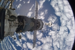gpw-200911-NASA-ISS021-E-029808-blue-water-white-clouds-Earth-Space-Shuttle-Atlantis-STS-129-20091118